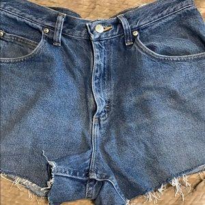 Vintage wrangler jean shorts!